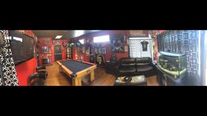Headless Hands Custom Tattoos tattoo studio lobby